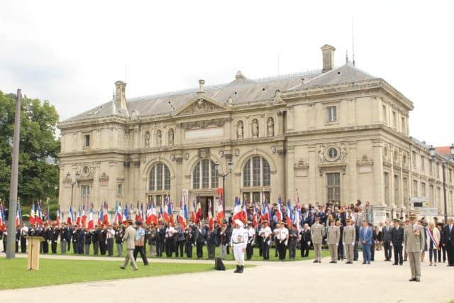Les troupes de montagne lors de la célébration de leurs 130 ans d'existence à Grenoble. © Joël Kermabon - Place Gre'net