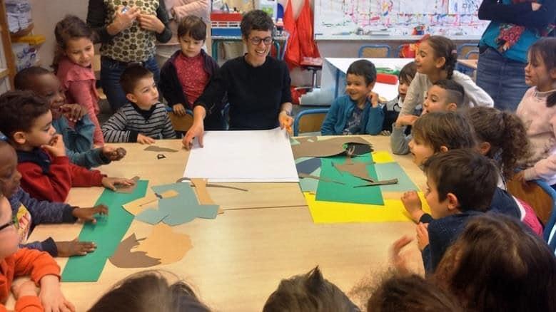 Lucie Albon à l'école maternelle Alphonse-Daudet de Grenoble © Ville de Grenoble