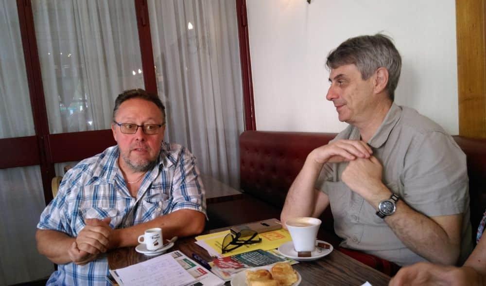 Bernard Ferrari, régisseur général de la Fête du travailleur alpin, et Laurent Jadeau du Parti communiste Isère © Florent Mathieu - Place Gre'net