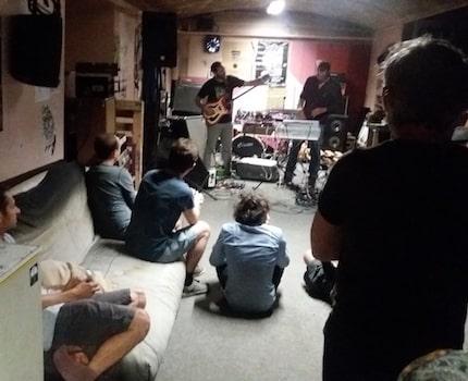 Quel avenir pour le Ciel, la petite salle dédiée aux musiques actuelles à Grenoble ? Un petit retour en arrière s'impose...