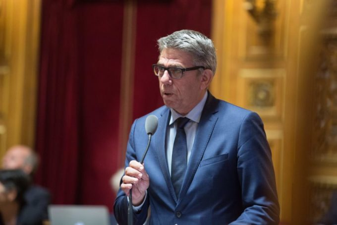 Sénateur de l'Isère, Michel Savin est aussi président du groupe d'études de la Haute Assemblée sur les pratiques sportives et les grands événements sportifs.