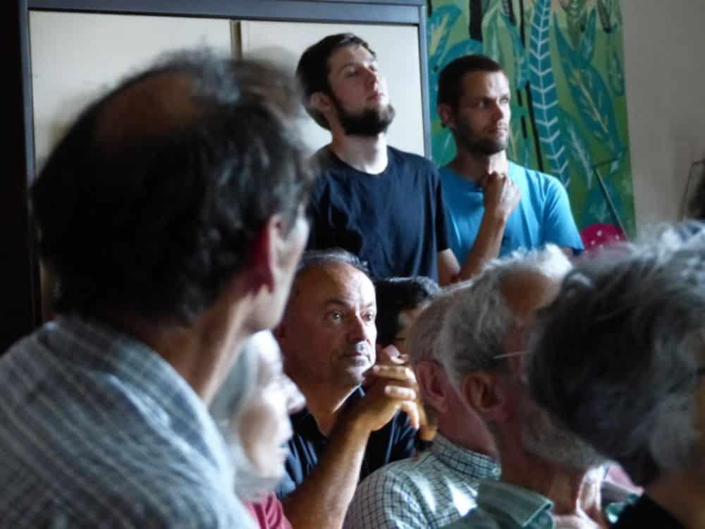 L'architecte Laurent Gaillard (au centre) avait présenté le projet d'immeuble au cours d'une réunion publique pour le moins houleuse © Florent Mathieu - Place Gre'net
