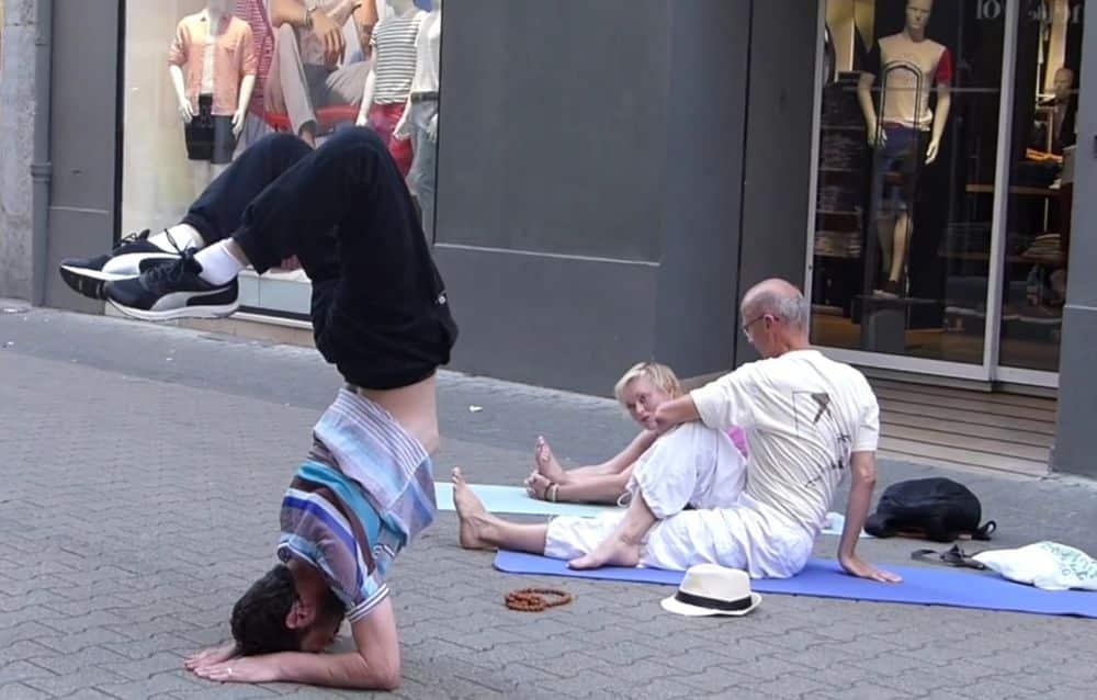 Le 21 juin 2017, le Yoga investissait déjà les rues du centre-ville de Grenoble © Place Gre'net