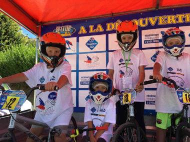 L'opération « Les oubliés du sport » permet à des enfants issus de milieux modestes de s'initier à la pratique du BMX © SPF38
