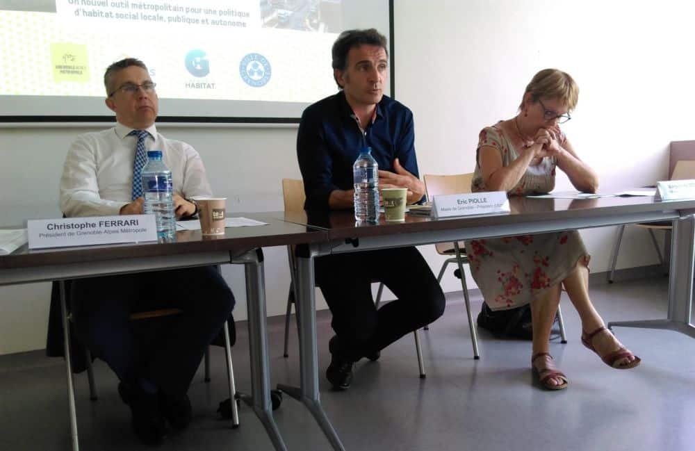 Présentation de la fusion Actis - Grenoble Habitat, de gauche à droite : Christophe Ferrari, Éric Piolle, Maryvonne Boileau © Florent Mathieu - Place Gre'net