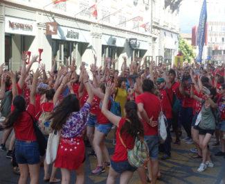 Parade d'ouverture des 30e Rencontres du jeune théâtre européen. © Créarc