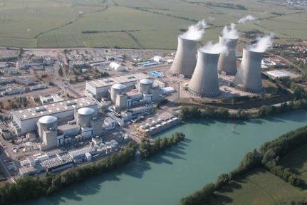 Les élus écologistes régionaux dénoncent les failles du parc nucléaire français, suite à un rapport parlementaire sur la sûreté et la sécurité nucléaire.La centrale nucléaire du Bugey, dans l'Ain.