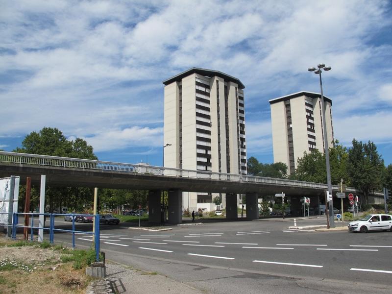 Dans le cadre du projet de rénovation et d'extention du secteur Grand'place, l'autopont Reynoard surplombant les avenues de l'Europe et d'Esmonin, sera démoli. © Séverine Cattiaux - Place Gre'net