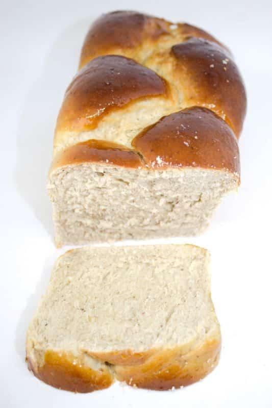 Brioche vegan, sans beurre, sans œufs, sans sucre raffiné © Fit & Gourmande