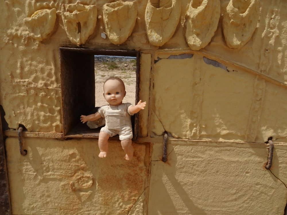IÎe de Lampedusa. Detail dans la porte de l'Europe à l'extrémité Sud de l'île. © André Weill
