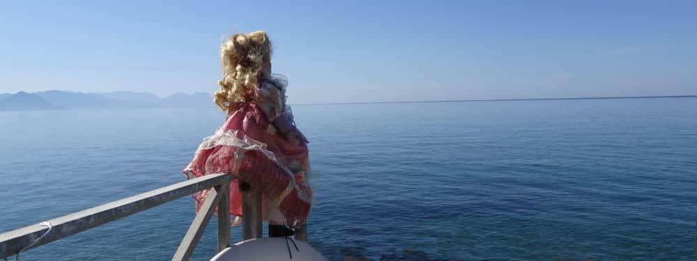 Autre lieu solennel : La Méditerranée, « le plus grand cimetière marin, quinze mille noyés ». © André Weill