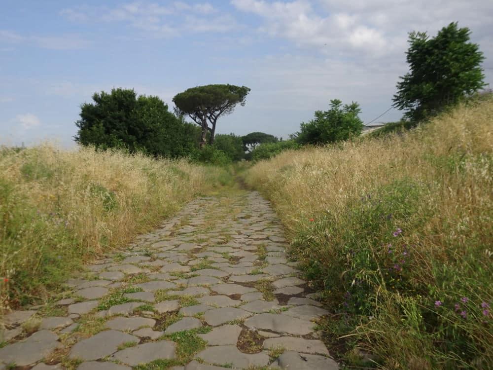 La Via Appia Antica à l'entrée de Rome © André Weill