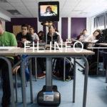 FIL INFO Lydie qui souffre d'asthme assiste au cours au lycée Carriat de Bourg en Bresse grâce au robot Awabot DR