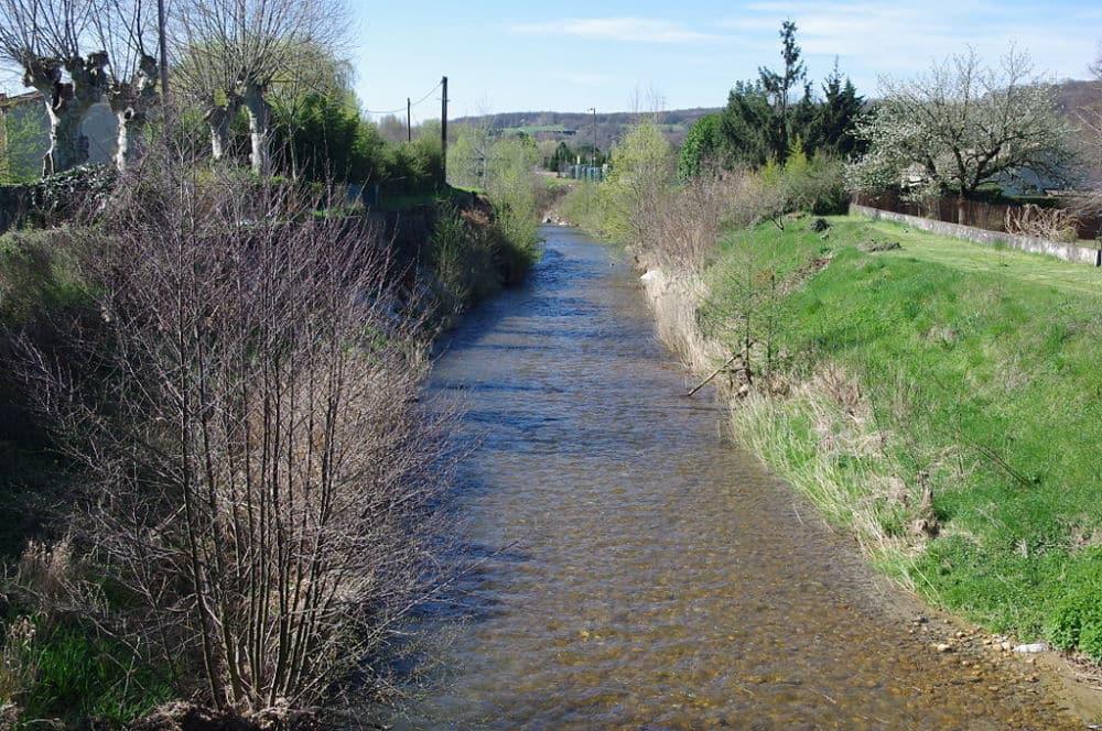 Certains cours d'eau sont déjà très bas au sortir de l'hiver, d'où cette vigilance sécheresse. DR