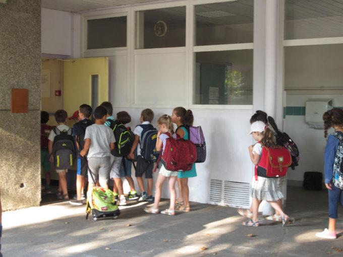 Académie de Grenoble: forte baisse des élèves contaminés Rentrée des classes à Grenoble. © Séverine Cattiaux - Place Gre'net