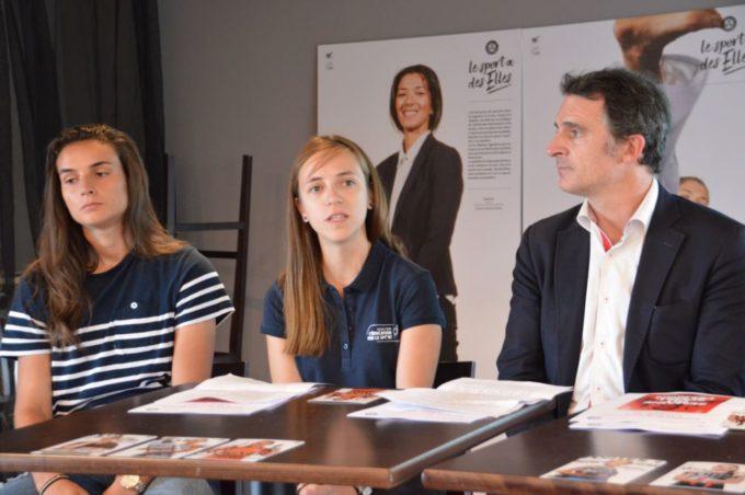L'Agence pour l'éducation par le sport, représentée au centre par Anaïs Charbin, a travaillé sur cette semaine du sport féminin avec la Ville de Grenoble et l'Office municipal des sports. © Laurent Genin