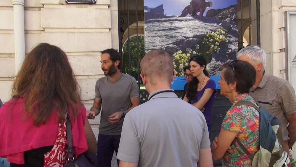 """Ce sont 244 communes de l'Isère qui participent au Journées européennes du Patrimoine, avec plus de 500 sites ouverts et près de 800 animations prévues.Circuit """"Sortie sauvage de ma rue"""". © Véronique Magnin - Place Gre'net"""