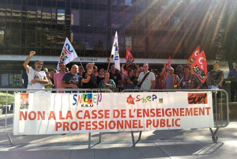 Le 27 septembre, les personnels des lycées professionnels dénonçaient déjà les suppressions de postes annoncées © Florent Mathieu - Place Gre'net