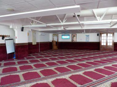 Grande salle de prière de la mosquée Al-Kawthar de la Villeneuve © Florian Espalieu - Place Gre'net