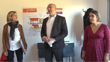 De gauche à droite : Chloé Lombard, sous-préfète de l'Isère, Stéphane Duport-Rosand, directeur général d'Actis et Lætitia Lemoine, élue de secteur. © Joël Kermabon - Place Gre'net.