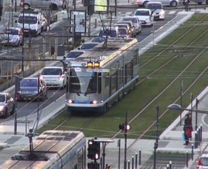 UNE Transports urbains à Grenoble © Joël Kermabon