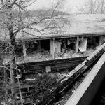 Le complexe hospitalier de St-Hilaire-du-Touvet est en voie de démolition. En fin de vie, il aura accueilli curieux, graffeurs, photographes... et fantômes.