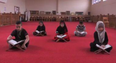 Cours d'éducation musulmane - capture d'une vidéo publiée sur la page Facebook du Groupe Scolaire Elhachemi.