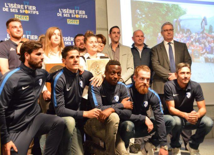 Deuxième en bas à gauche, Florian Sotoca, capitaine face à Strasbourg, a réalisé un très bon match sur le front de l'attaque grenobloise. © Laurent Genin