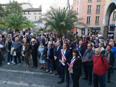 Un rassemblement en mémoire des manifestants algériens massacrés le 17 octobre 1961 à Paris était organisé ce mercredi place Edmond Arnaud à Grenoble.© Joël Kermabon - Place Gre'net