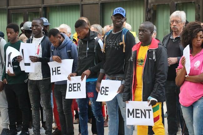 Le collectif Jeunes étrangers en Isère avait fait entendre sa voix devant l'Hôtel du département. Pour un meilleur accueil et une meilleure prise en charge des mineurs et jeunes étrangers en Isère. © Patricia Cerinsek
