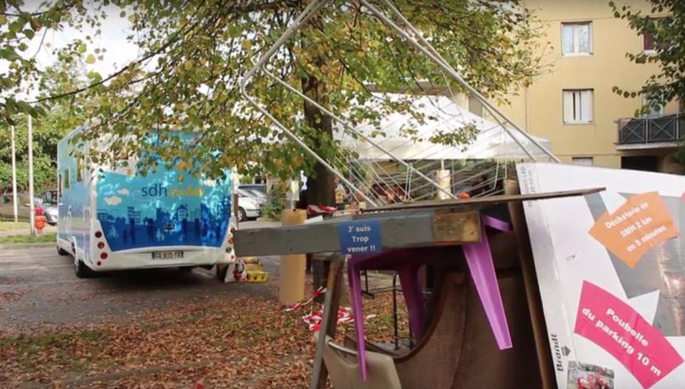 Déchets près du SDH mobile. © Élisa Montagnat - Placegrenet.fr