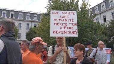 Un rassemblement était organisé cei 6 octobre à Grenoble par l'association SOS Méditerranée en soutien à l'Aquarius, le navire de sauvetage qu'elle affréte.© Joël Kermabon - Place Gre'net