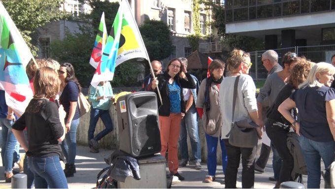 Rassemblement en soutien aux AESH devant le rectorat de Grenoble. © Joël Kermabon - Place Gre'net
