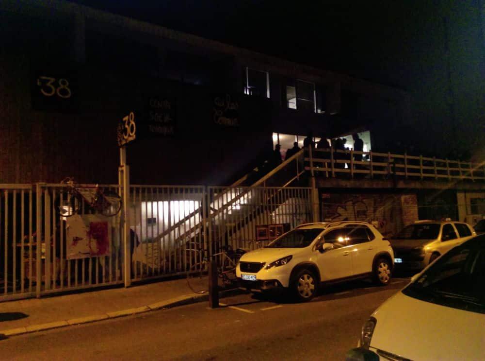 Un samedi soir devant le 38 rue d'Alembert © Florent Mathieu - Place Gre'net