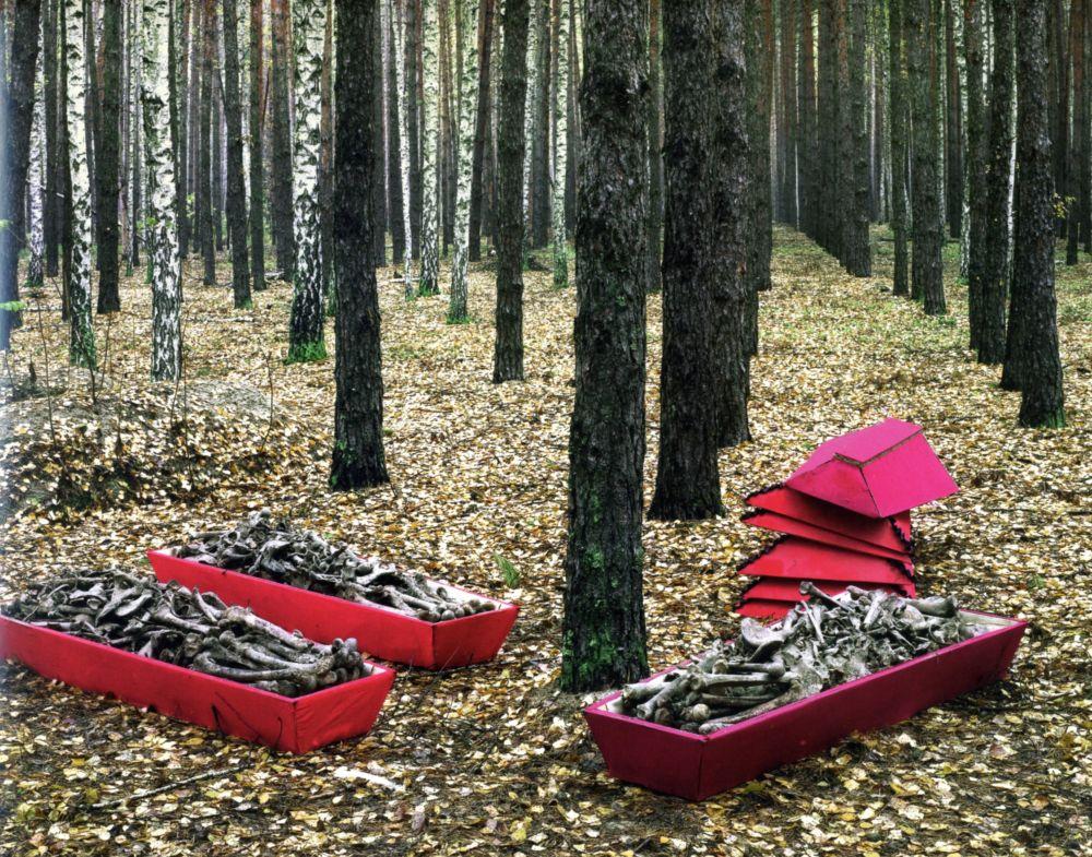 Des ossements témoins des massacres d'antan : 8000 corps découverts à Voronej en 2008 © Tomasz Kizny