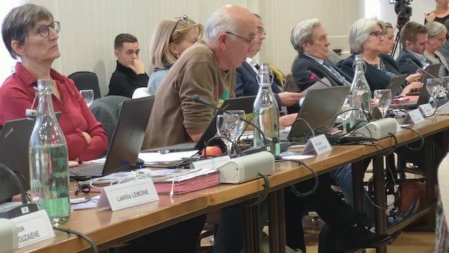 Conseil municipal de la ville de Grenoble consacré notamment au vote du débat d'orientations budgétaires le 5 novembre 2018 © Joël Kermabon