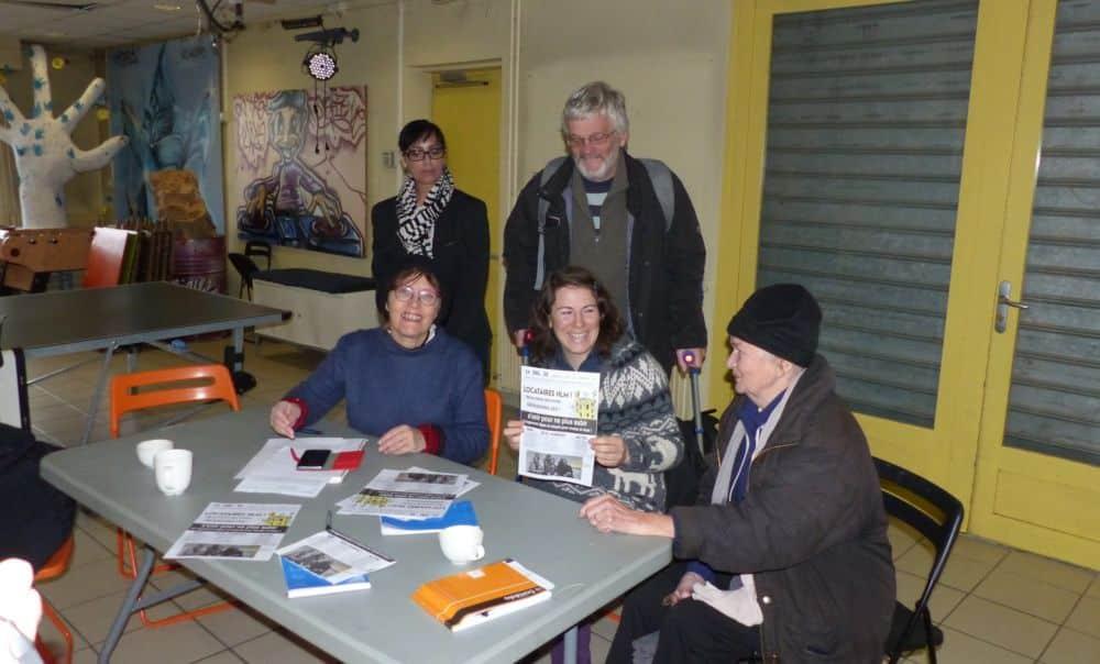 Les militants du DAL 38 espèrent motiver les locataires des logements sociaux à voter pour leurs représentants © Florent Mathieu - Place Gre'net