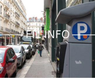 Pendant les fêtes de Noël, les voitures pourront se garer gratuitement à Grenoble en soirée. La mesure fait bondir EELV, groupe auquel appartient le maire. -Stationnement et horodateur © Séverine Cattiaux - placegrenet.fr