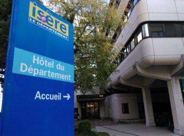 Entrée de l'Hôtel du Département © Florent Mathieu - Place Gre'net