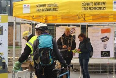 Opération cyclistes : retour sur l'action de sensibilisation à la sécurité routière dédiée aux deux roues sur le campus de l'UGA jeudi 8 novembre.