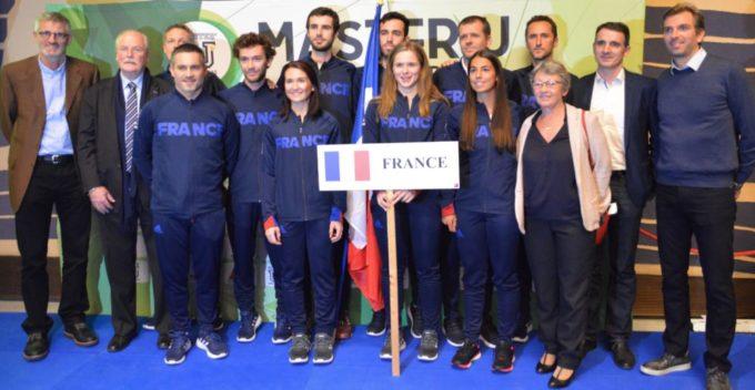 L'équipe de France engagée au Master'U BNP Paribas, notamment accompagnée à droite par Julien Benneteau, parrain du tournoi cette année. © Laurent Genin