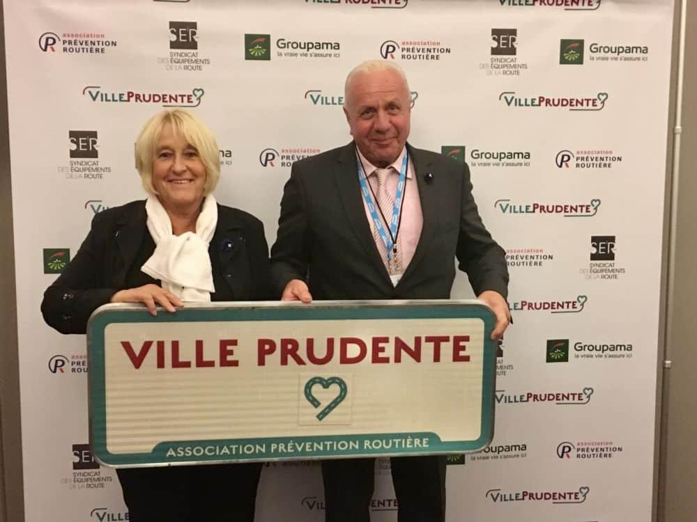 Liliane Dico et Michel Veyron durant la réception du label Ville prudente © Saint-Étienne-de-Saint-Geoirs