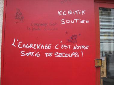 Message sur la devanture de L'engrenage, dont la Ville a demandé la fermeture administrative © Séverine Cattiaux - Place Gre'net