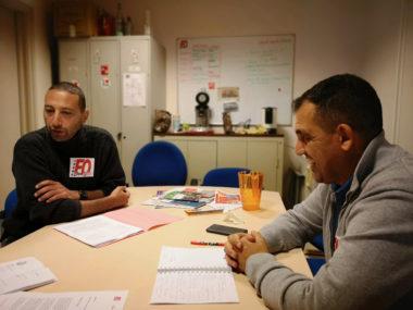 De gauche à droite : Sid Hamed Beldjenna, le policier municipal réintégré et Chérif Boutafa, secrétaire général FO. © Joël Kermabon - Place Gre'net