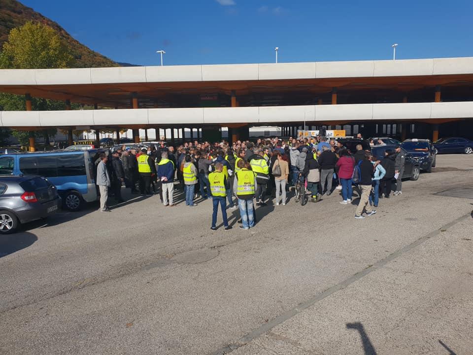 Rassemblement de « gilets jaunes » pour préparer la journée de blocage du 17 novembre. Photo Facebook.