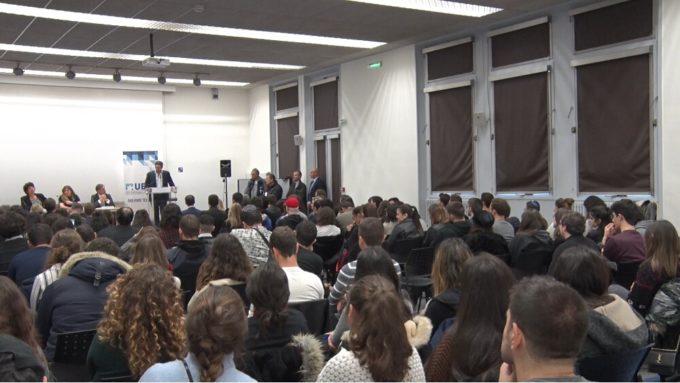 Salle comble pour le grand oral de la ministre. © Joël Kermabon - Place Gre'net