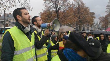 Julien Terrier lors du rassemblement devant la préfecture de l'Isère ce 23 novembre. © Joël Kermabon - Place Gre'net