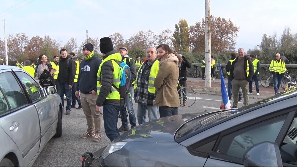 L'annulation de la hausse des taxes sur le carburant, le signe qu'attendaient les Gilets Jaunes ? © Joël Kermabon - Place Gre'net