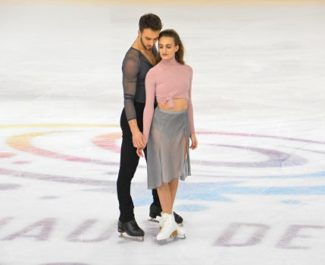 Gabriella Papadakis-Guillaume Cizeron lors des Internationaux de France de patinage le 24 novembre 2018. © Laurent Genin