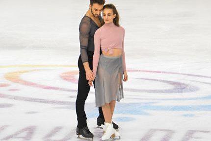 Gabriella Papadakis-Guillaume Cizeron lors des Internationaux de France de patinage le 24 novembre 2018. © Laurent Genin